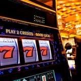 Скачать онлайн игральные видеослоты в онлайн казино Слотс-Док