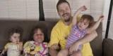 Стейси Геральд - самая маленькая мама в мире, у которой трое детей (Фото)